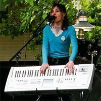 tocar y cantar a la vez